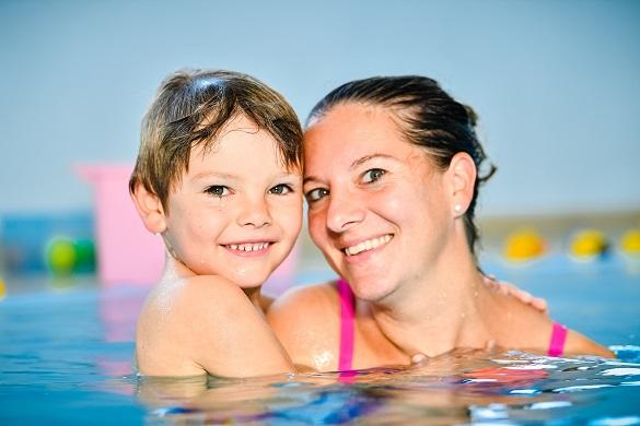 Anfängerschwimmen mit Eltern